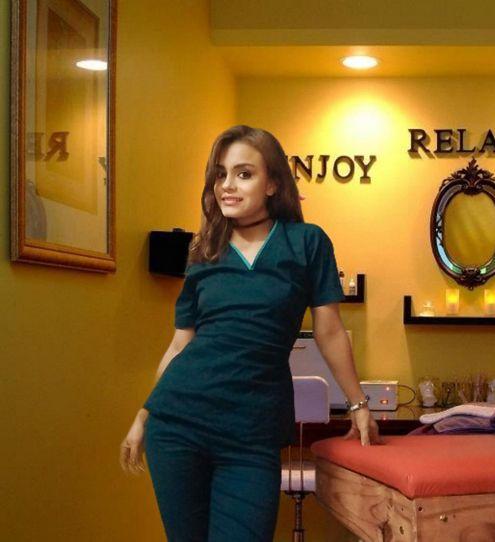 🌺Masajista profesional🌺  Te ofrezco una sesión de masaje:  descontracturante sensitivo sedativo 🧏Depilación con cera descartable!!  👉Cuerpo completo con crema y aceite especial  👉Kit de ducha  👉Ambiente climatizado.